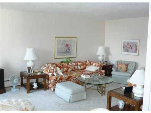 "Photo 8: Photos: 1005 740 HAMILTON Street in New Westminster: Uptown NW Condo for sale in ""THE STATESMAN"" : MLS®# V827116"