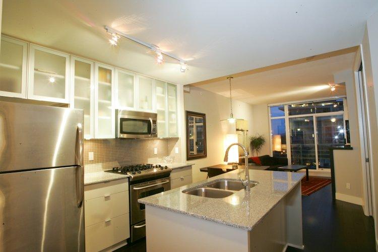 "Main Photo: 511 298 E 11TH Avenue in Vancouver: Mount Pleasant VE Condo for sale in ""SOPHIA"" (Vancouver East)  : MLS®# V865305"