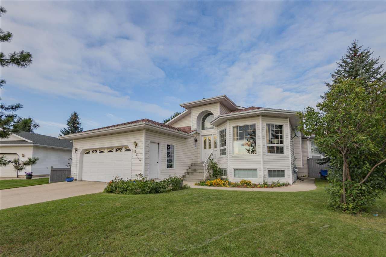 Main Photo: 3204 36 Avenue in Edmonton: Zone 30 House for sale : MLS®# E4169856