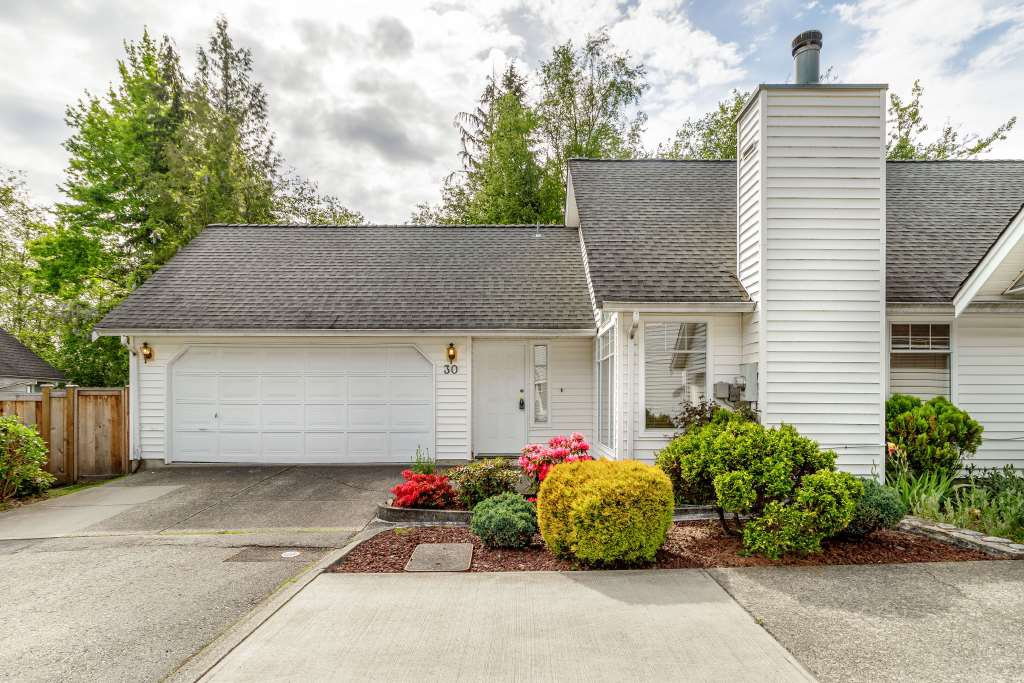 Main Photo: 30 2865 GLEN DRIVE in Coquitlam: Eagle Ridge CQ House for sale : MLS®# R2397541