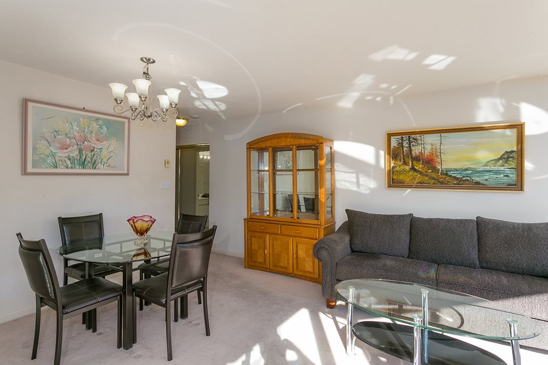 "Photo 3: Photos: 713 1327 E KEITH Road in North Vancouver: Lynnmour Condo for sale in ""Carlton at the Club"" : MLS®# R2411923"