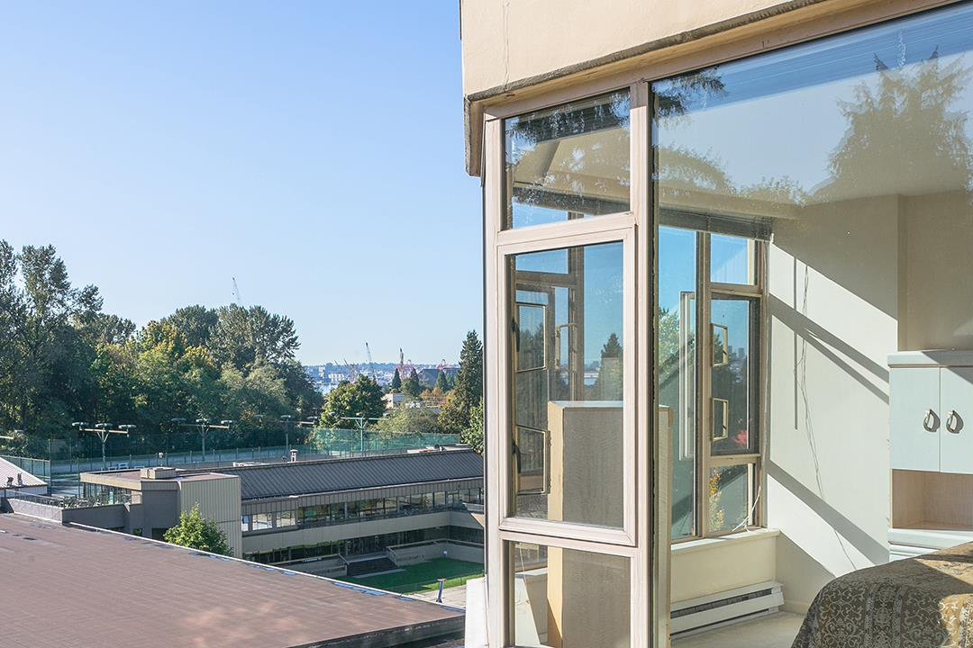 """Photo 12: Photos: 713 1327 E KEITH Road in North Vancouver: Lynnmour Condo for sale in """"Carlton at the Club"""" : MLS®# R2411923"""