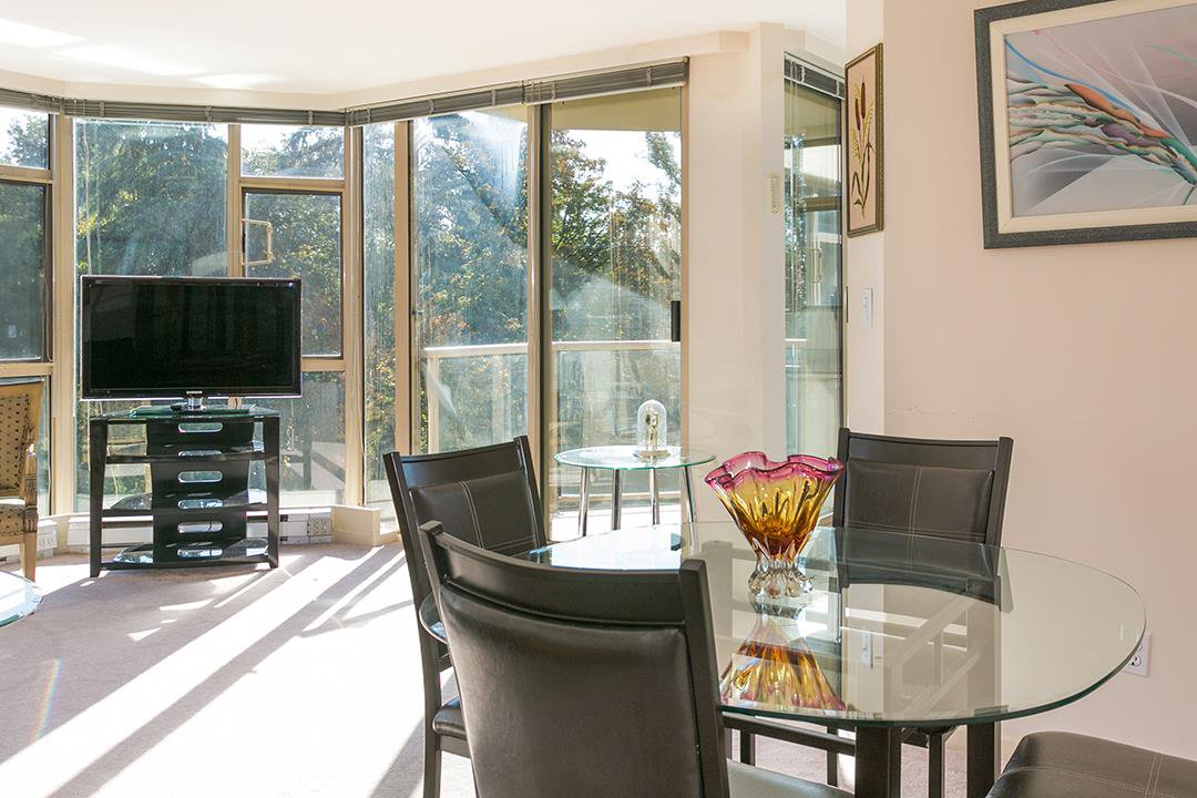 "Photo 5: Photos: 713 1327 E KEITH Road in North Vancouver: Lynnmour Condo for sale in ""Carlton at the Club"" : MLS®# R2411923"