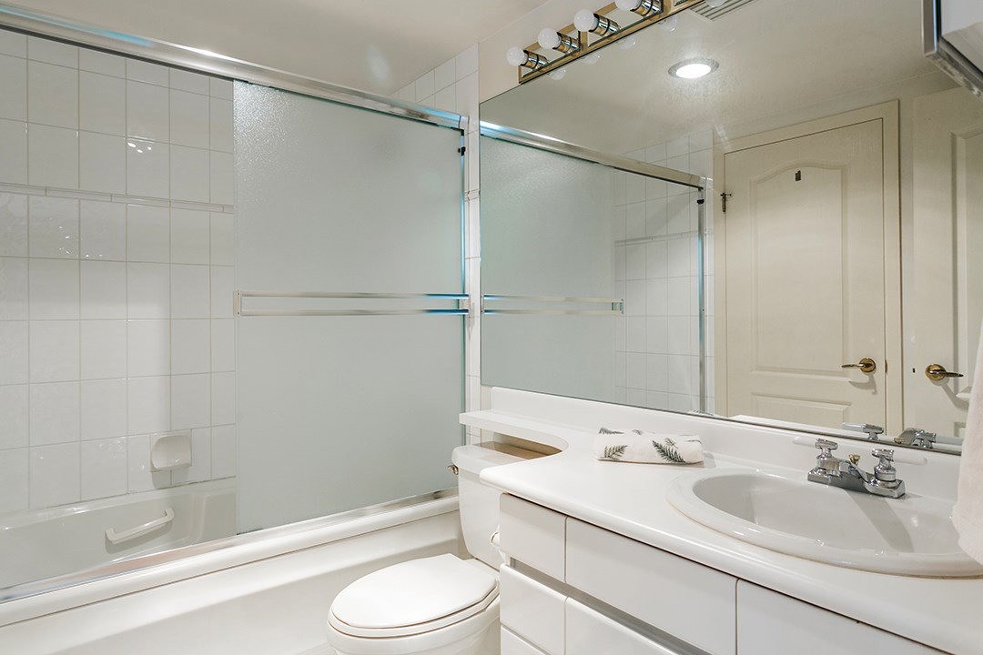 "Photo 11: Photos: 713 1327 E KEITH Road in North Vancouver: Lynnmour Condo for sale in ""Carlton at the Club"" : MLS®# R2411923"