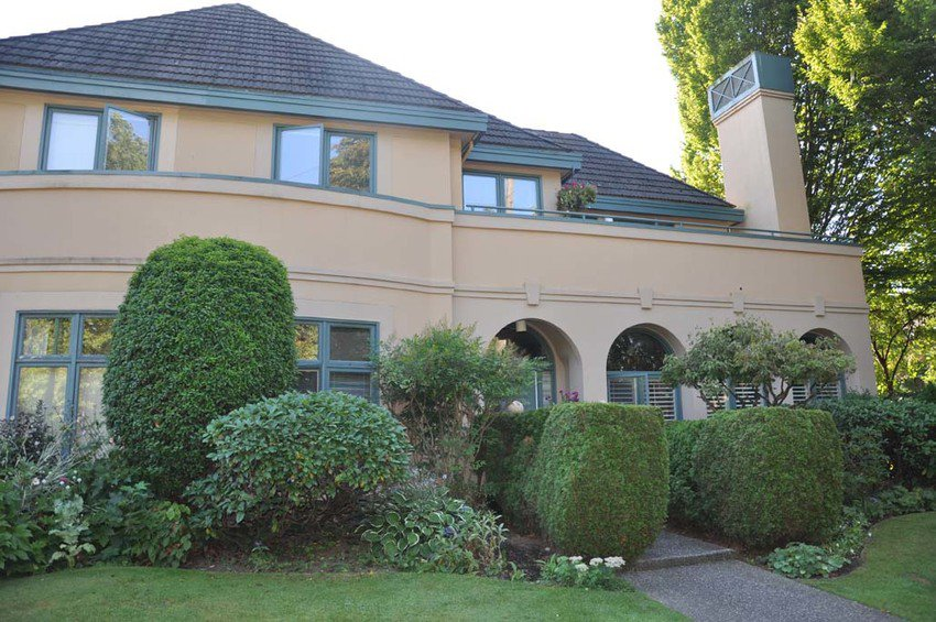 Main Photo: 1080 Maple Street in Vancouver: Home for sale