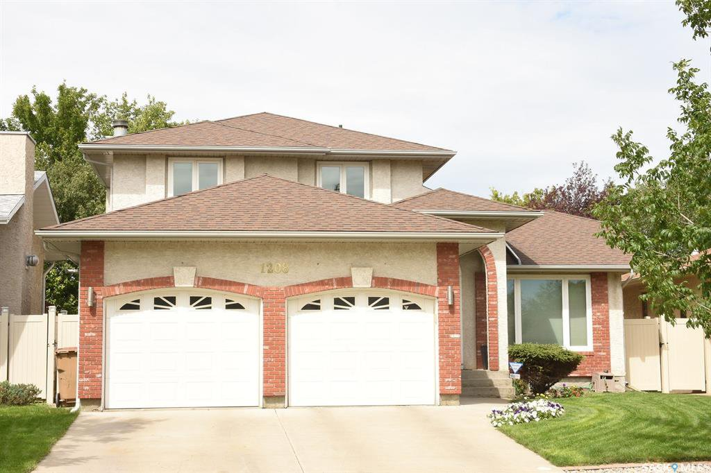 Main Photo: 1208 Lapchuk Crescent North in Regina: Lakeridge RG Residential for sale : MLS®# SK817549
