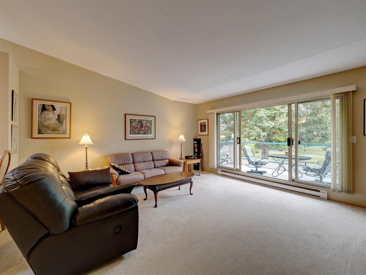 """Photo 3: Photos: 41 555 EAGLECREST Drive in Gibsons: Gibsons & Area Townhouse for sale in """"GEORGIA MIRAGE"""" (Sunshine Coast)  : MLS®# R2485008"""