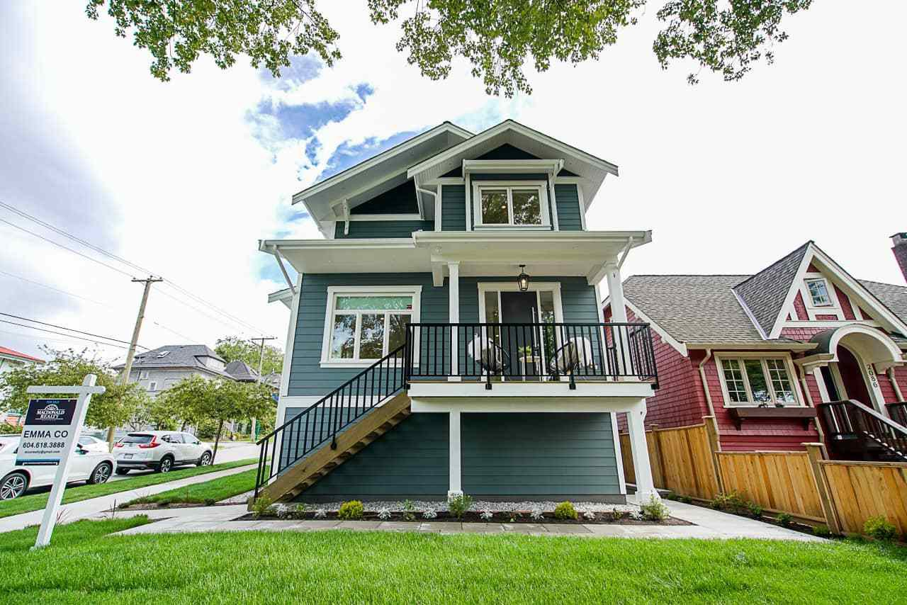 Main Photo: : House 1/2 Duplex for sale : MLS®# R2472521
