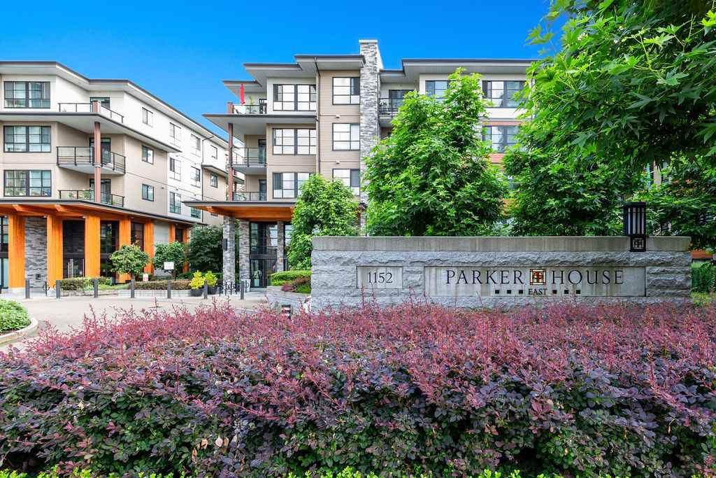 """Main Photo: 512 1152 WINDSOR Mews in Coquitlam: New Horizons Condo for sale in """"PARKER HOUSE"""" : MLS®# R2500221"""