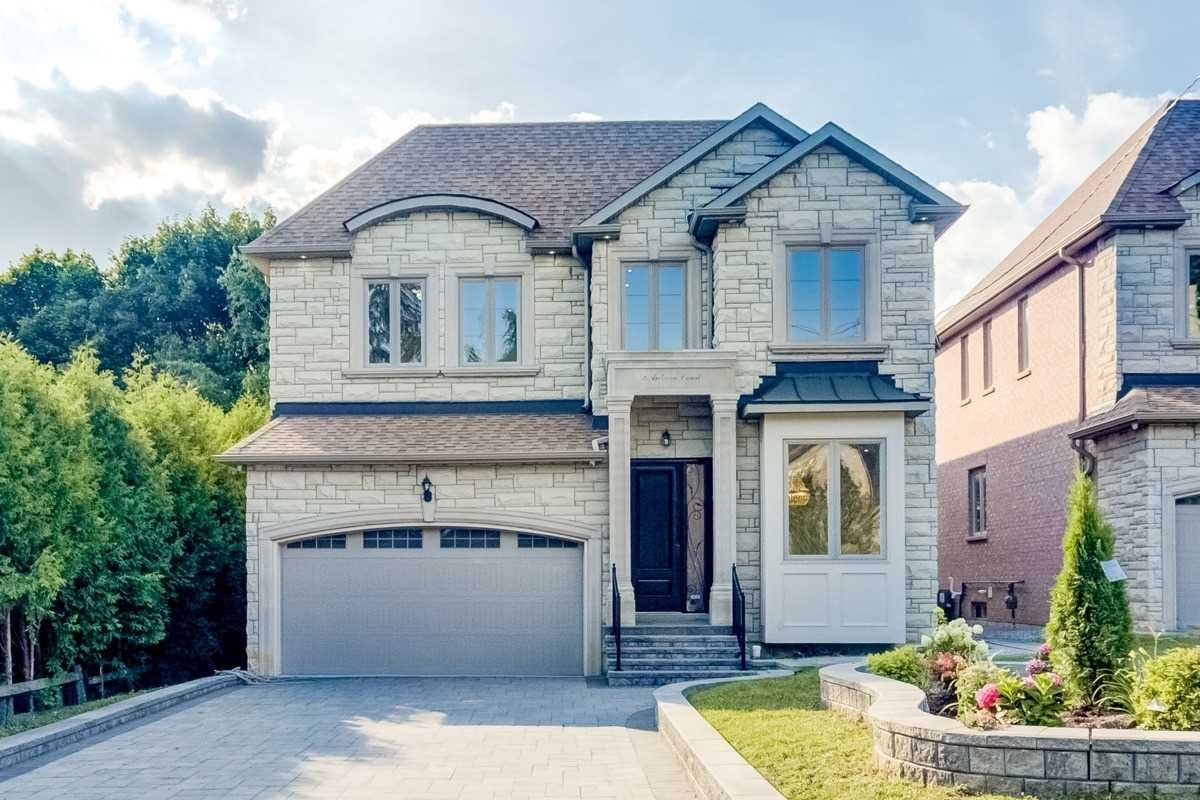 Main Photo: 2 Ankara Crt in Markham: Buttonville Freehold for sale : MLS®# N4865076
