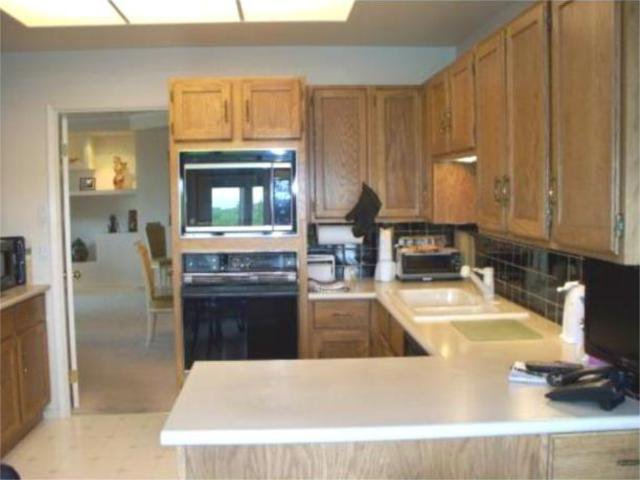 Photo 2: Photos:  in WINNIPEG: River Heights / Tuxedo / Linden Woods Condominium for sale (South Winnipeg)  : MLS®# 1000375