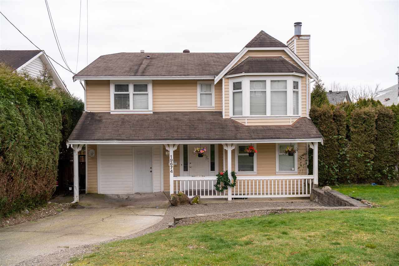Main Photo: 19674 68 Avenue in Langley: Willoughby Heights House for sale : MLS®# R2506352