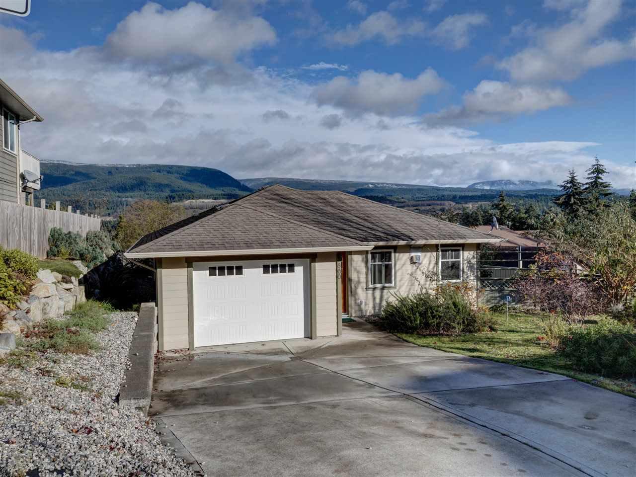 Main Photo: 5860 MEDUSA Street in Sechelt: Sechelt District House for sale (Sunshine Coast)  : MLS®# R2515941