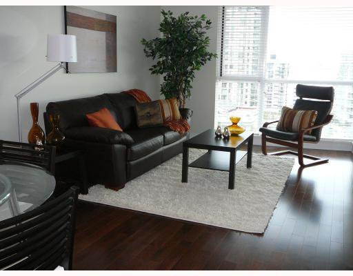 """Main Photo: 703 160 W 3RD Street in North_Vancouver: Lower Lonsdale Condo for sale in """"""""ENVY"""""""" (North Vancouver)  : MLS®# V787019"""