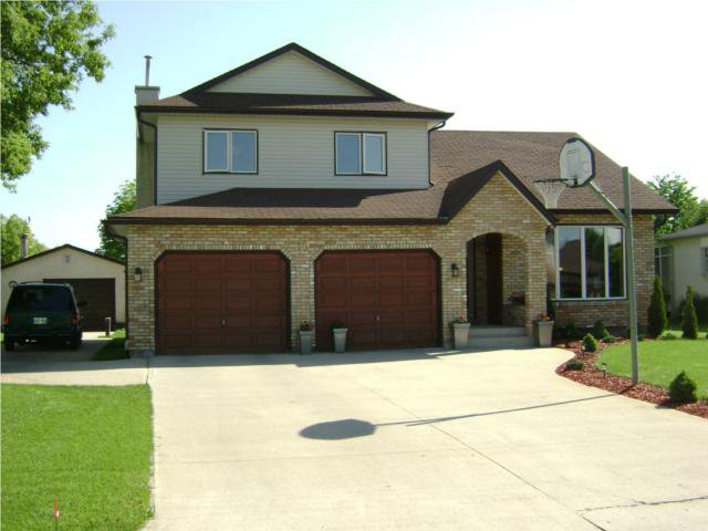 Main Photo: 10 CLAYMORE Place in WINNIPEG: Birdshill Area Residential for sale (North East Winnipeg)  : MLS®# 1011927
