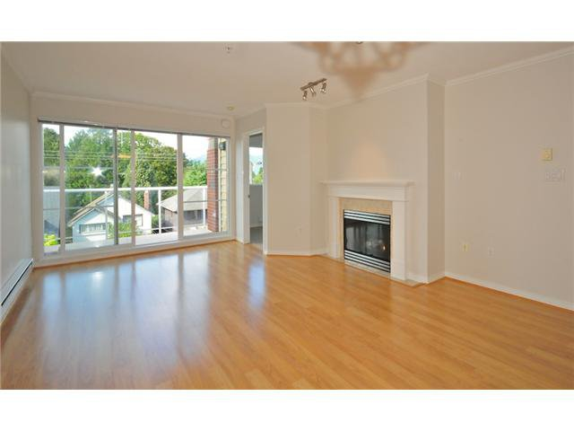 Main Photo: 413 2929 W 4TH Avenue in Vancouver: Kitsilano Condo for sale (Vancouver West)  : MLS®# V847087
