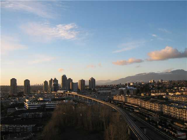 """Main Photo: 2302 2133 DOUGLAS Road in Burnaby: Brentwood Park Condo for sale in """"PERSPECTIVES"""" (Burnaby North)  : MLS®# V864191"""