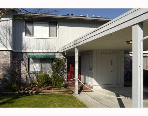 """Main Photo: 28 11771 KINGFISHER Drive in Richmond: Westwind Townhouse for sale in """"WESTWIND SOMERSET MEWS"""" : MLS®# V760431"""