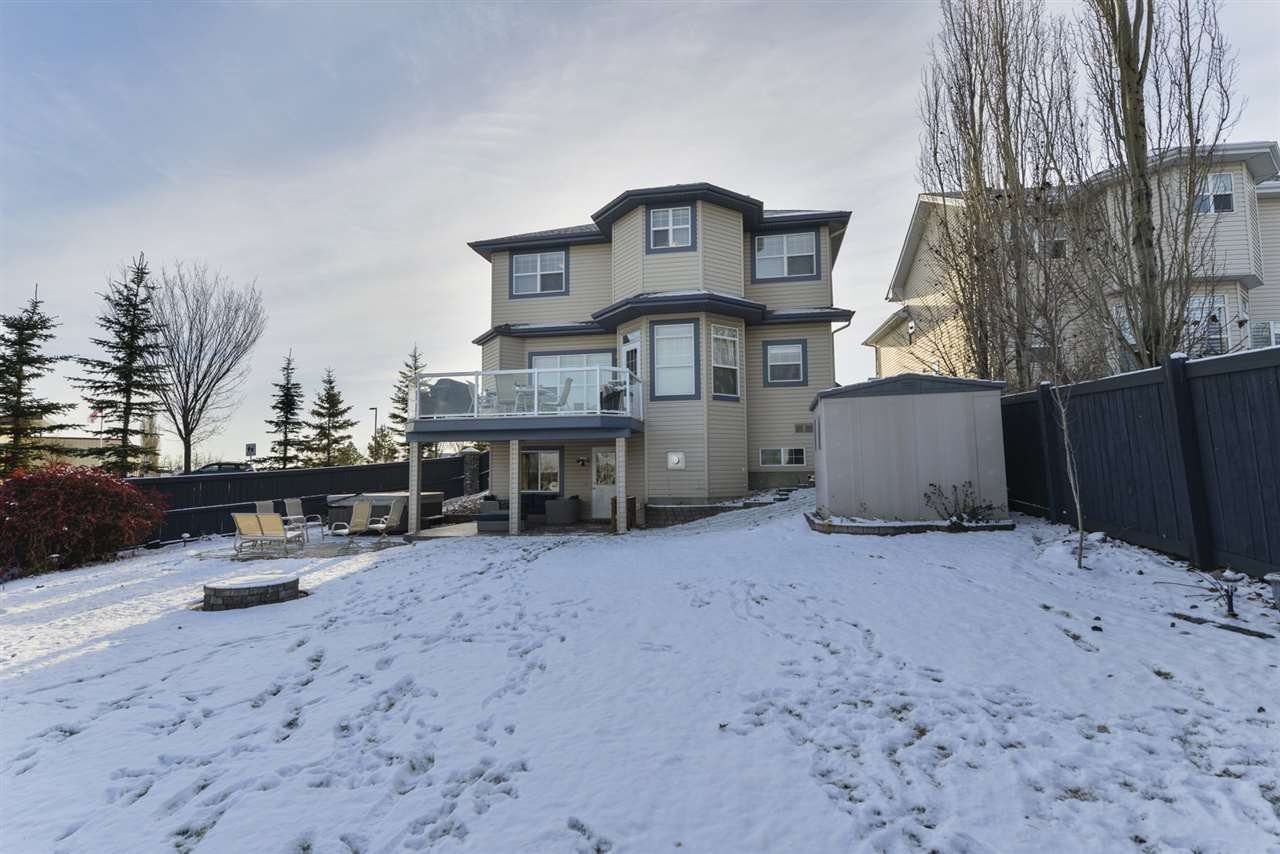 Main Photo: 2643 TAYLOR Green in Edmonton: Zone 14 House for sale : MLS®# E4179359