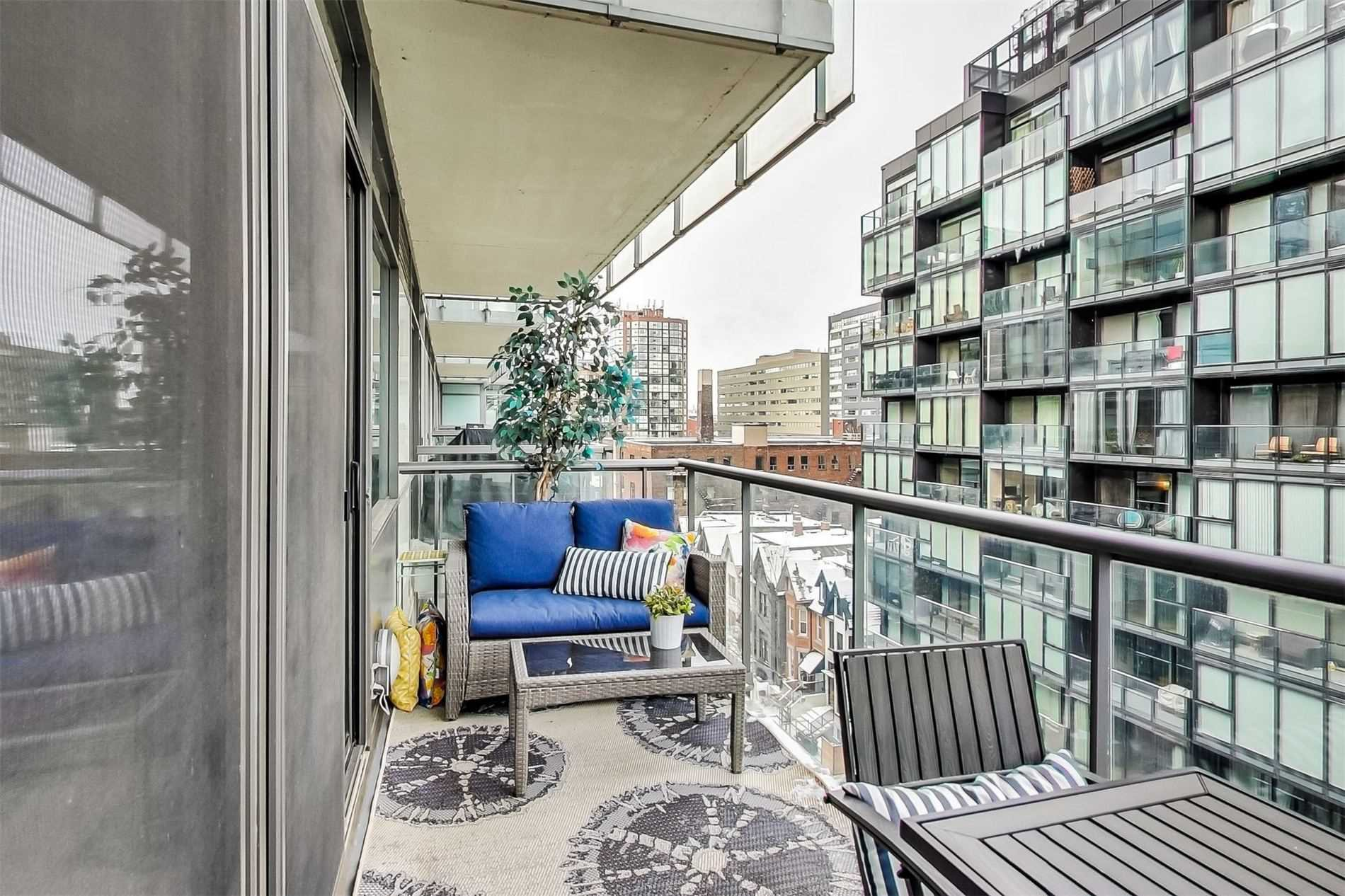 Photo 13: Photos: 818 55 Stewart Street in Toronto: Waterfront Communities C1 Condo for sale (Toronto C01)  : MLS®# C4690098