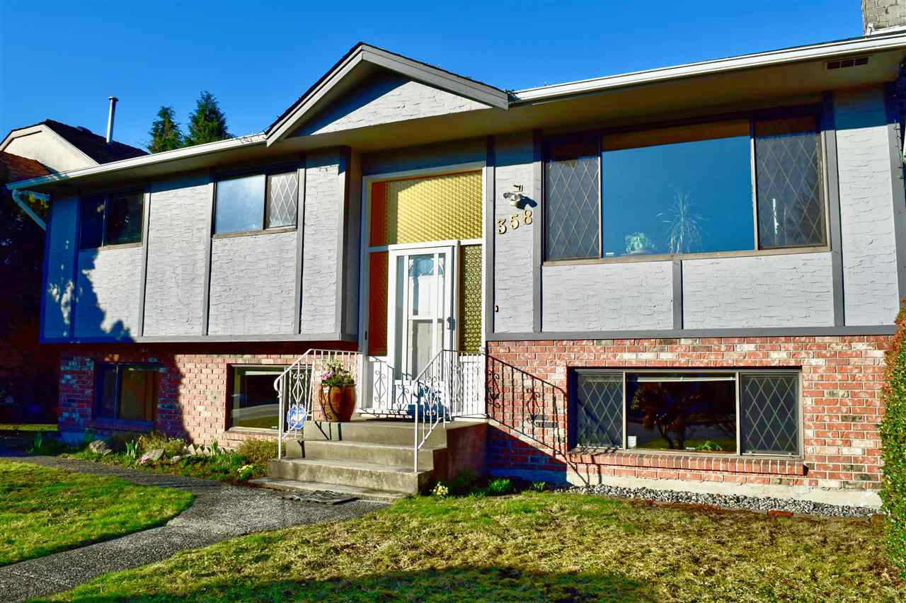 Main Photo: 358 E 17TH Street in North Vancouver: Central Lonsdale House for sale : MLS®# R2436339