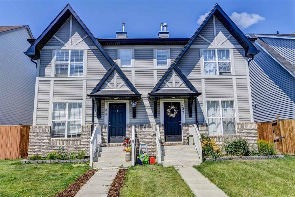 Main Photo: 133 ELGIN MEADOWS View SE in Calgary: McKenzie Towne Semi Detached for sale : MLS®# A1018982