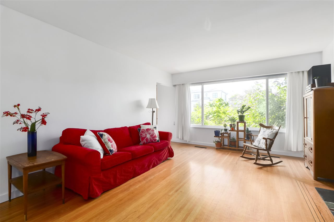 Main Photo: 3249 E 26TH AVENUE in Vancouver: Renfrew Heights House for sale (Vancouver East)  : MLS®# R2480292