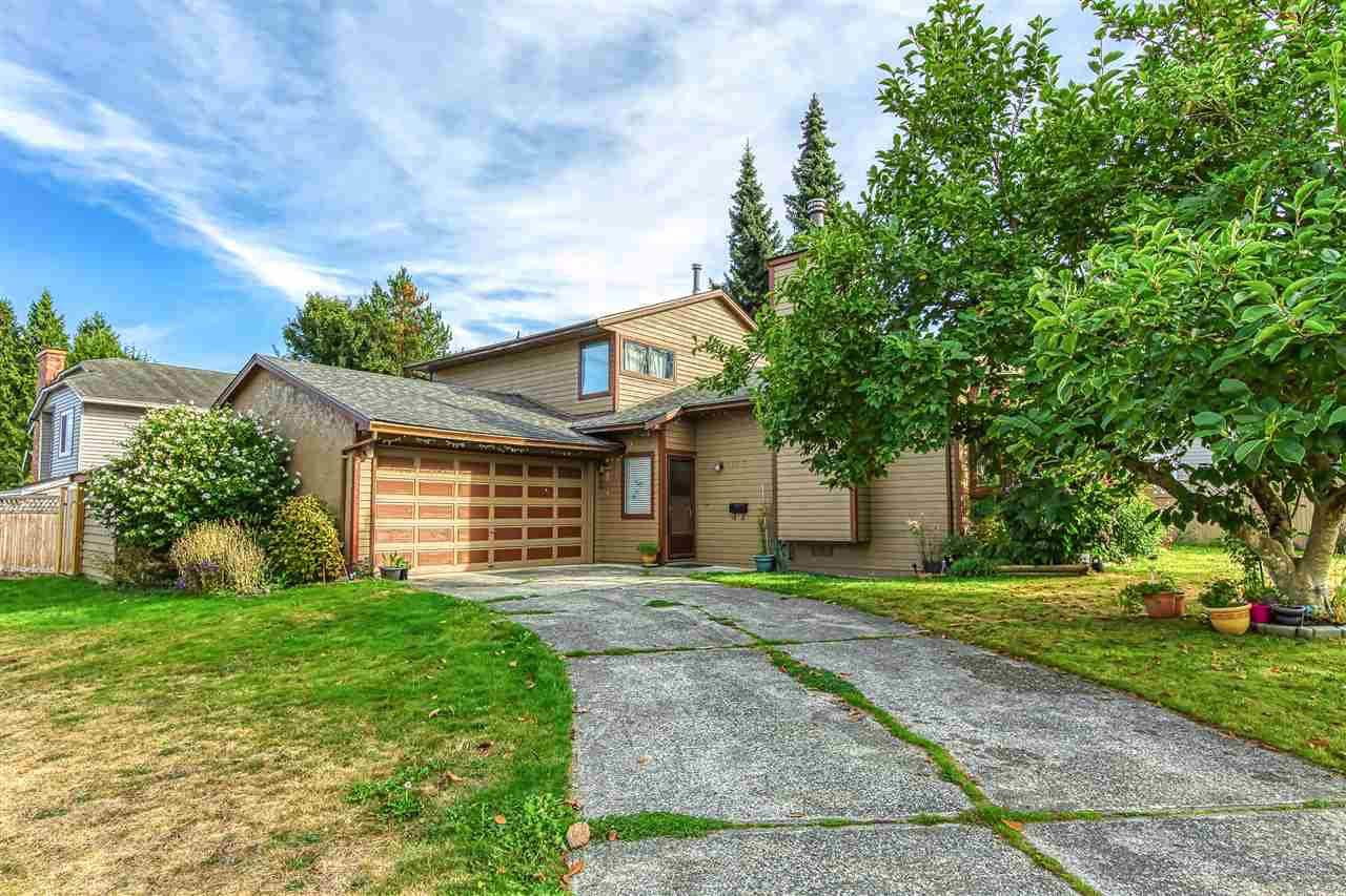 Main Photo: 6648 130A Street in Surrey: West Newton House for sale : MLS®# R2501276