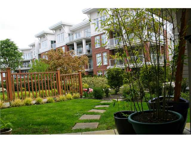 "Main Photo: 109 4211 BAYVIEW Street in Richmond: Steveston South Condo for sale in ""THE VILLAGE @ IMPERIAL LANDING"" : MLS®# V826330"