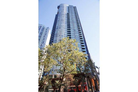 "Main Photo: 3001 1189 MELVILLE Street in Vancouver: Coal Harbour Condo for sale in ""THE MELVILLE"" (Vancouver West)  : MLS®# V851158"