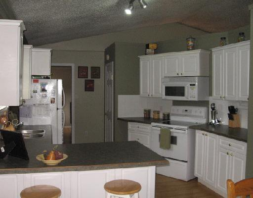Photo 4: Photos: 5455 47TH Street in Fort_Nelson: Fort Nelson -Town House for sale (Fort Nelson (Zone 64))  : MLS®# N185454