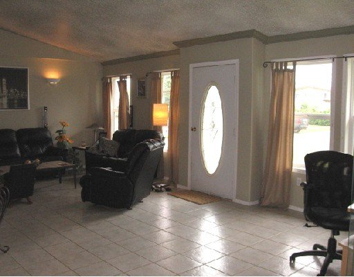Photo 2: Photos: 5455 47TH Street in Fort_Nelson: Fort Nelson -Town House for sale (Fort Nelson (Zone 64))  : MLS®# N185454
