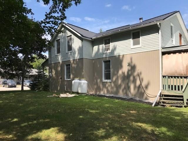 Photo 2: Photos: 7 W Richmond Street in Kawartha Lakes: Rural Eldon House (1 1/2 Storey) for sale : MLS®# X4551892
