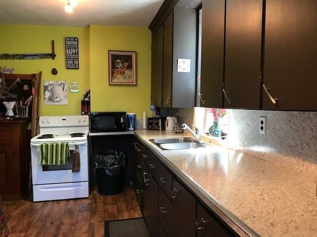 Photo 6: Photos: 7 W Richmond Street in Kawartha Lakes: Rural Eldon House (1 1/2 Storey) for sale : MLS®# X4551892