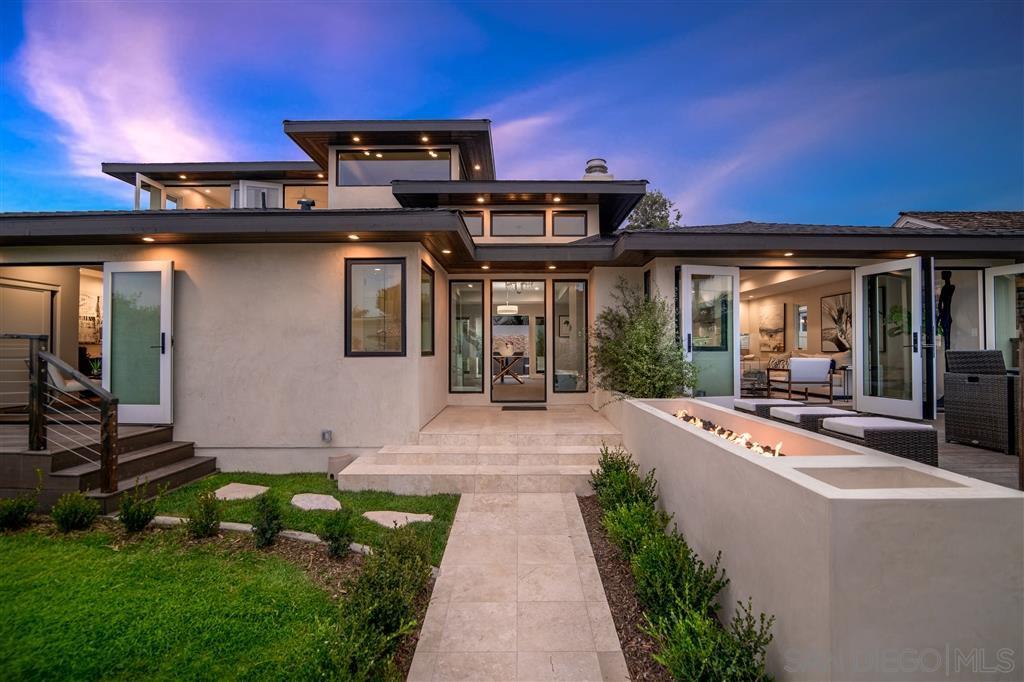 Main Photo: House for sale : 5 bedrooms : 5845 Camino De La Costa in La Jolla