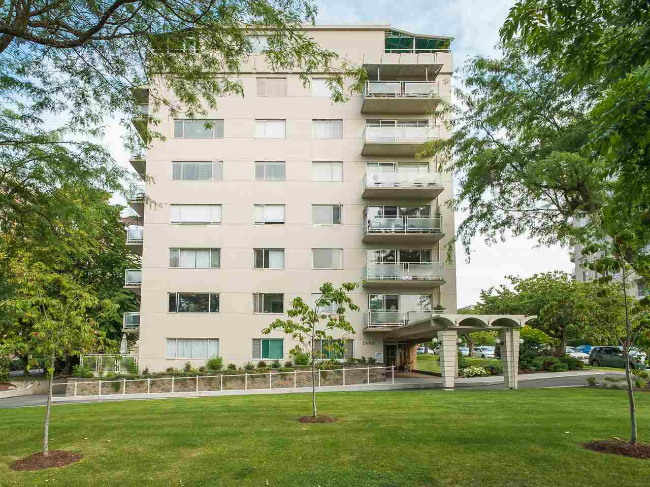 "Main Photo: 303 2409 W 43RD Avenue in Vancouver: Kerrisdale Condo for sale in ""Balsam Court"" (Vancouver West)  : MLS®# R2480471"