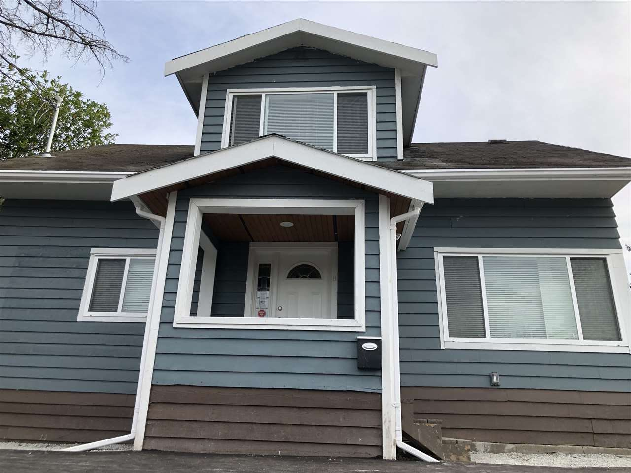 Main Photo: 12728 114A Avenue in Surrey: Bridgeview House for sale (North Surrey)  : MLS®# R2523868