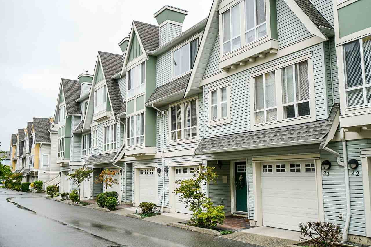 "Main Photo: 24 16388 85 Avenue in Surrey: Fleetwood Tynehead Townhouse for sale in ""Camelot Village"" : MLS®# R2400032"