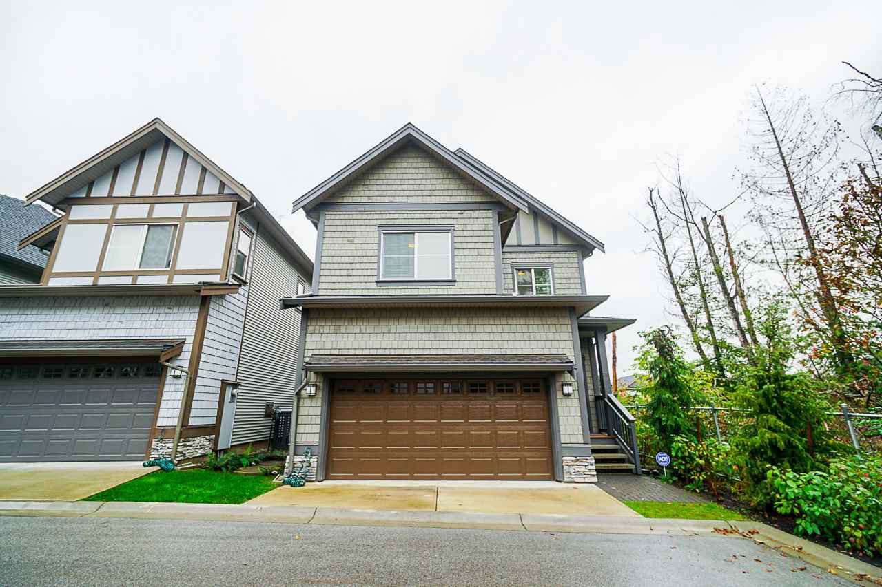 """Main Photo: 70 8217 204B Street in Langley: Willoughby Heights Townhouse for sale in """"EVERLY GREEN"""" : MLS®# R2411503"""