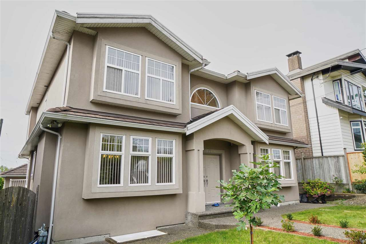 Main Photo: 7871 CUMBERLAND Street in Burnaby: East Burnaby House for sale (Burnaby East)  : MLS®# R2413062