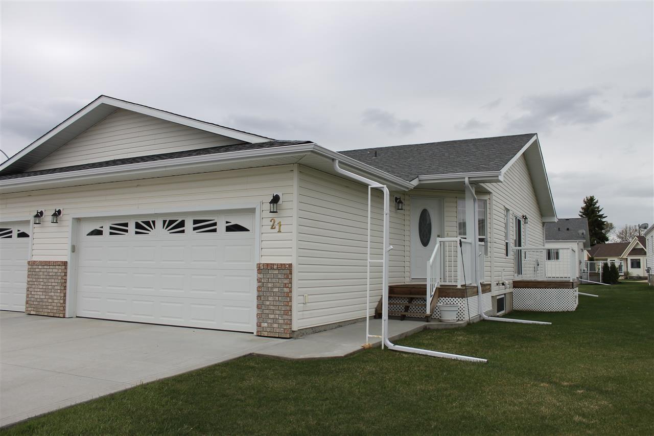 Main Photo: 21 4410 52 Avenue: Wetaskiwin House Half Duplex for sale : MLS®# E4185224