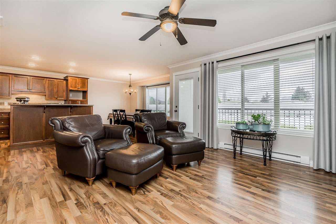 "Main Photo: 3 45190 SOUTH SUMAS Road in Chilliwack: Sardis West Vedder Rd Townhouse for sale in ""CASA LINDA"" (Sardis)  : MLS®# R2441485"