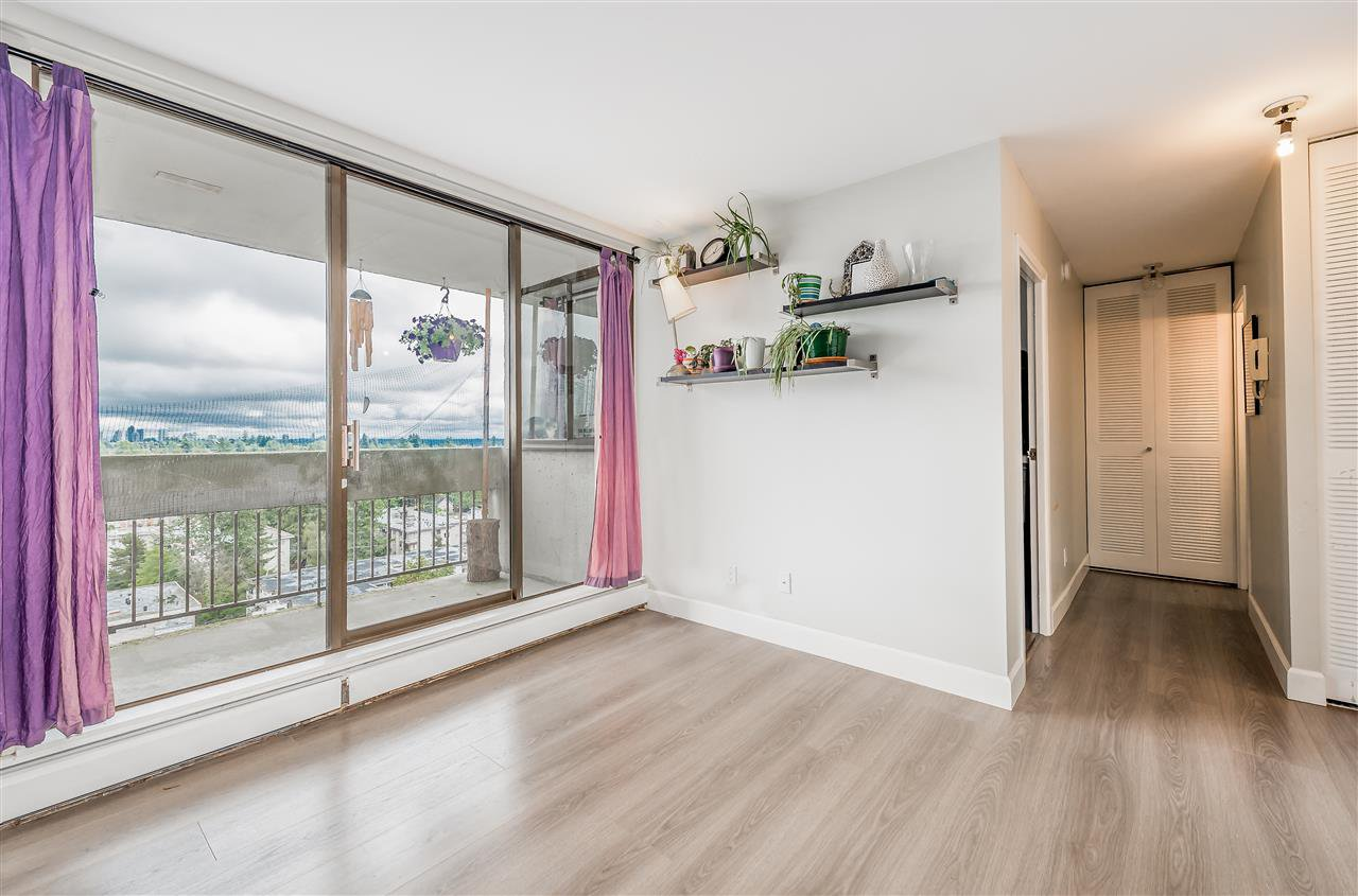 "Photo 5: Photos: 1404 6689 WILLINGDON Avenue in Burnaby: Metrotown Condo for sale in ""Kensington House"" (Burnaby South)  : MLS®# R2396692"