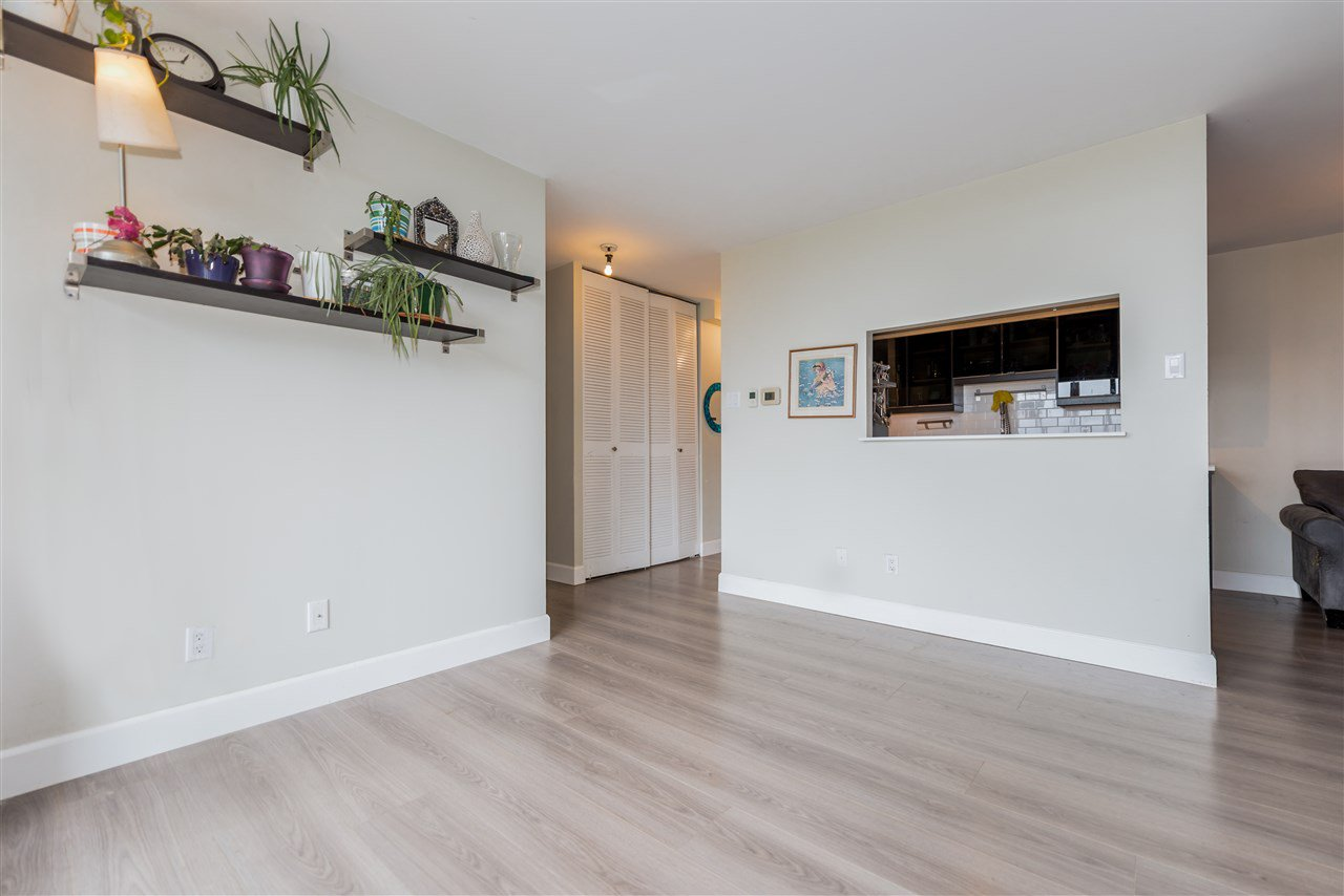 "Photo 6: Photos: 1404 6689 WILLINGDON Avenue in Burnaby: Metrotown Condo for sale in ""Kensington House"" (Burnaby South)  : MLS®# R2396692"