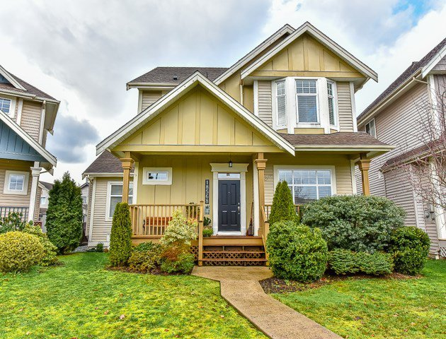 Main Photo: 18568 66A AVENUE in Cloverdale: Home for sale : MLS®# R2034217