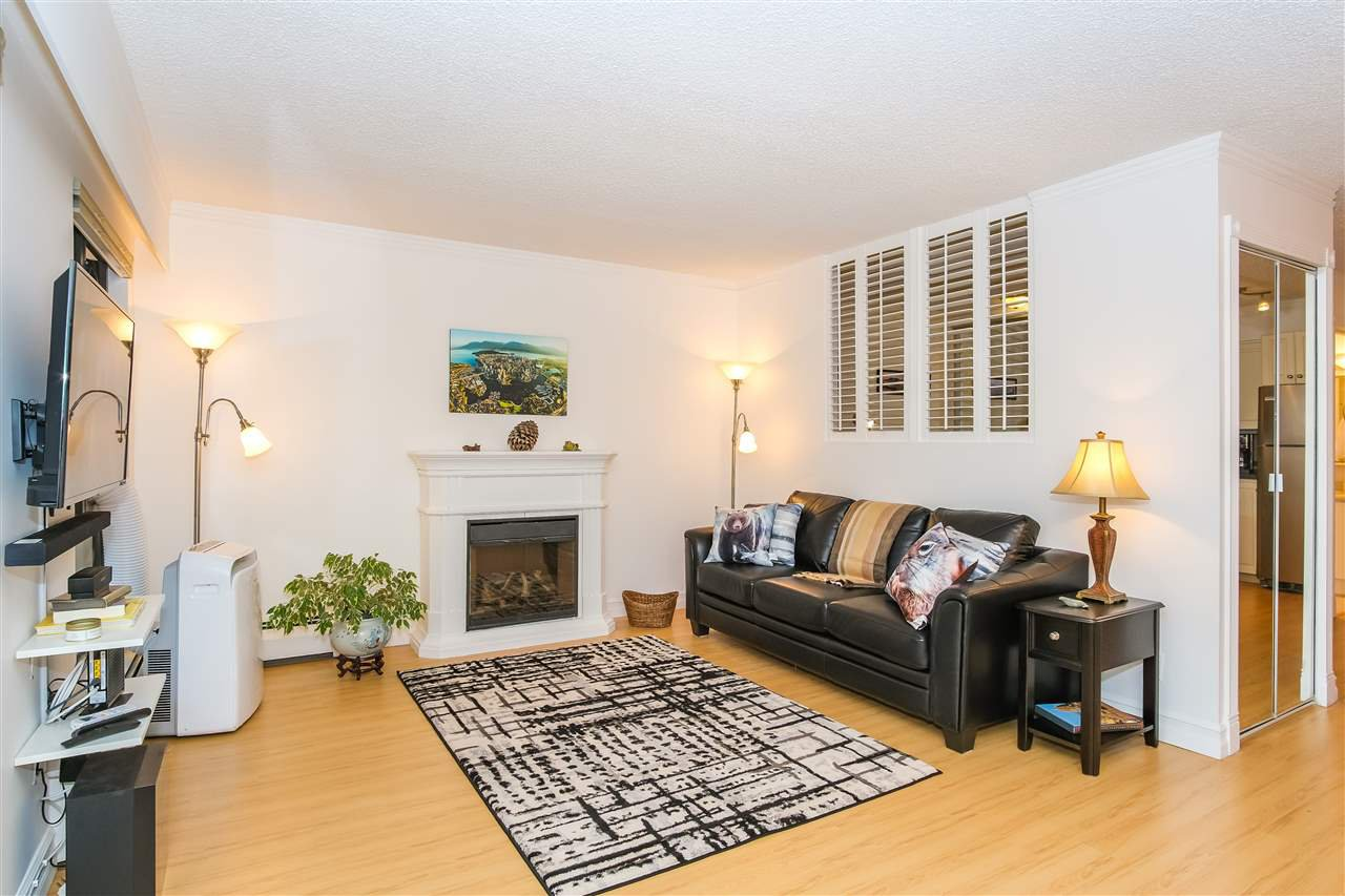 "Main Photo: 307 1855 NELSON Street in Vancouver: West End VW Condo for sale in ""THE WEST PARK"" (Vancouver West)  : MLS®# R2443388"