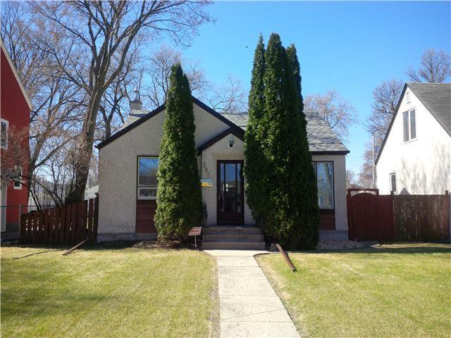 *East Kildonan* 2 Br Bungalow 865 sq.ft 49' x 155' Lot