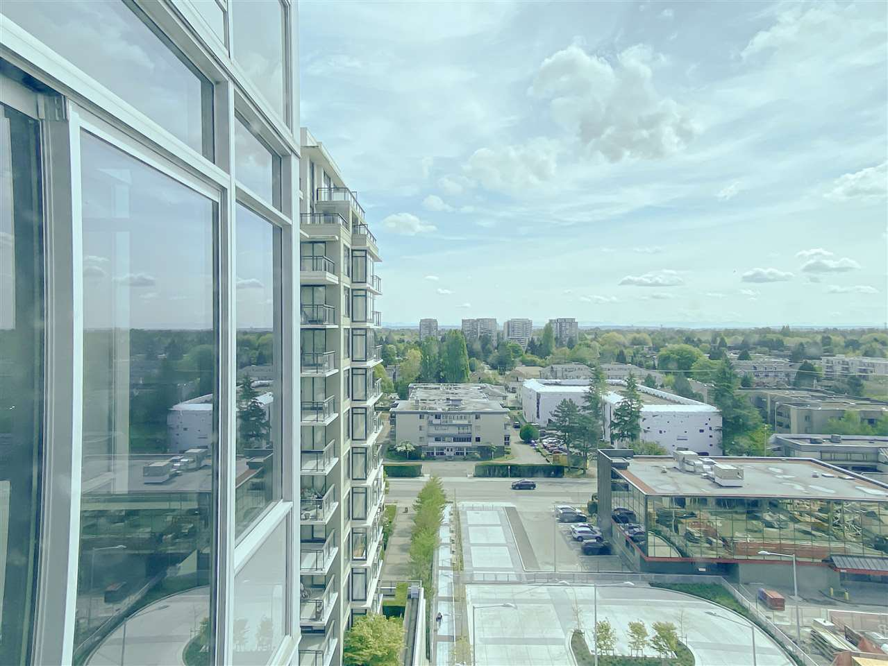 "Main Photo: 1202 6288 NO. 3 Road in Richmond: Brighouse Condo for sale in ""MANDARIN RESIDENCES"" : MLS®# R2453914"