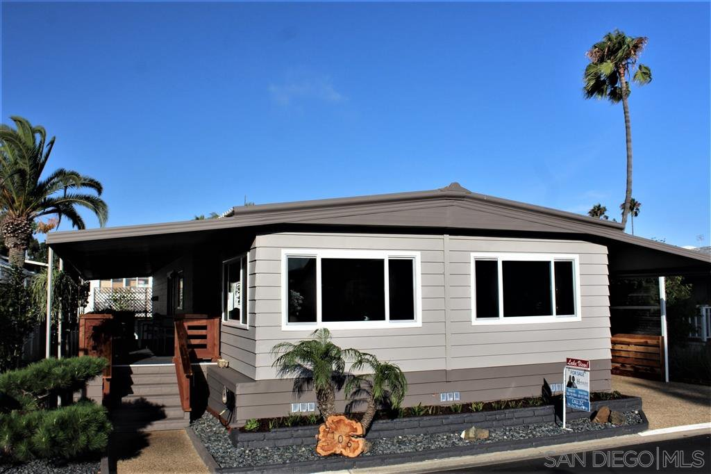 Main Photo: CARLSBAD WEST Mobile Home for sale : 2 bedrooms : 7106 Santa Cruz #56 in Carlsbad