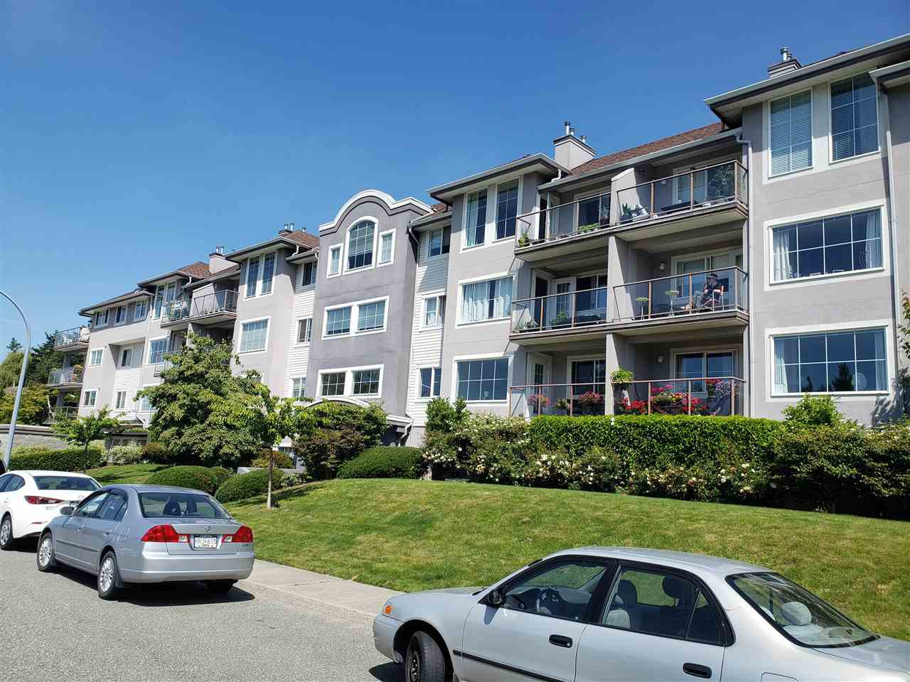 """Main Photo: 311 33599 2ND Avenue in Mission: Mission BC Condo for sale in """"STAVE LAKE LANDING"""" : MLS®# R2476170"""